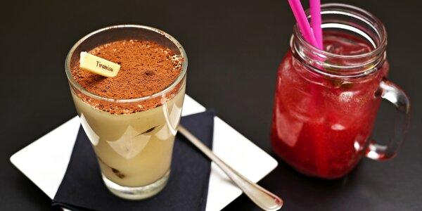 Dezert a nápoj přímo na Staromáku pro 2 osoby
