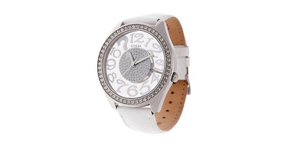 Dámské bílé hodinky Guess s koženým lakovaným páskem a transparentním ciferníkem