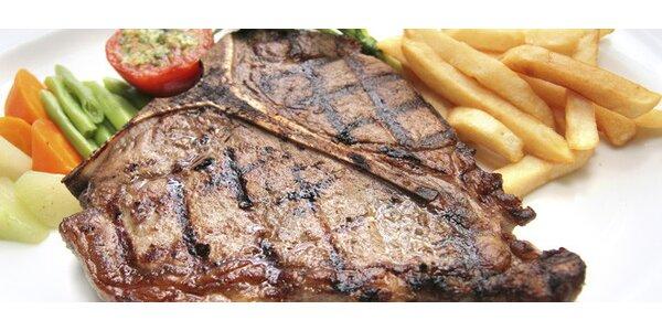 Mega porce T-bone steaku s grilovanou zeleninou