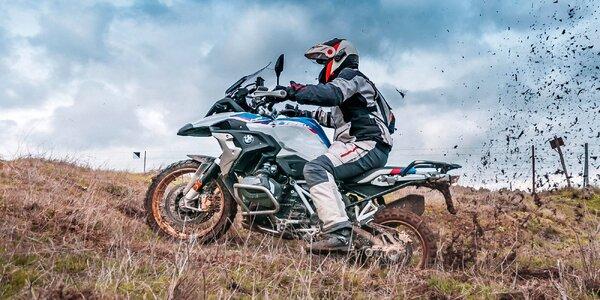 Na BMW do terénu: 2 hodiny jízdy, 6 motocyklů