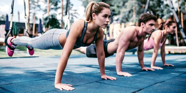 Zacvičte si venku: TRX, jóga i kruhový trénink