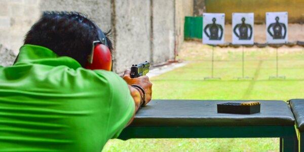 Zážitek na střelnici: revolver, pistole i samopal