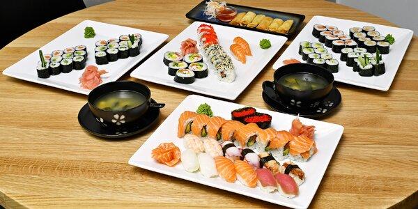 24–74 ks sushi i se závitky nebo polévkou