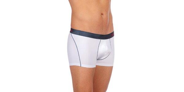 Pánské bílé spodní prádlo Calvin Klein Underwear s černým vrchním lemem