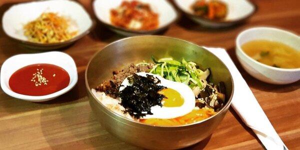 Bibimbap či Kimči bokm–bap, příloha a miso polévka
