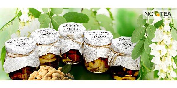 Oříšky a mandle naložené v medu