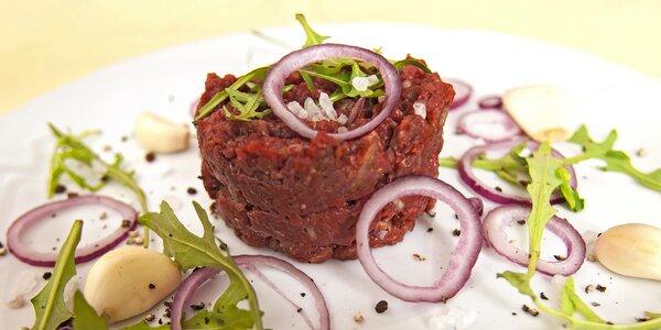 Tataráček z vyzrálého masa z místní farmy