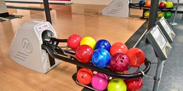 1 nebo 2 hodiny bowlingu až pro 6 osob a hranolky