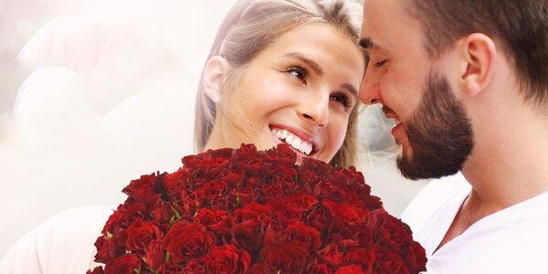 Kytice růží Madam Red a možný rozvoz po ČR