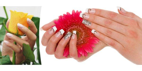 Modeláž nebo doplnění nehtů UV gelem a nebo zpevnění přírodního nehtu gel lakem