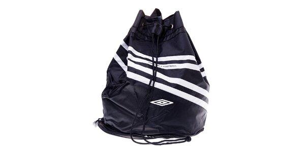 Černý sportovní pytel Umbro s bílými detaily