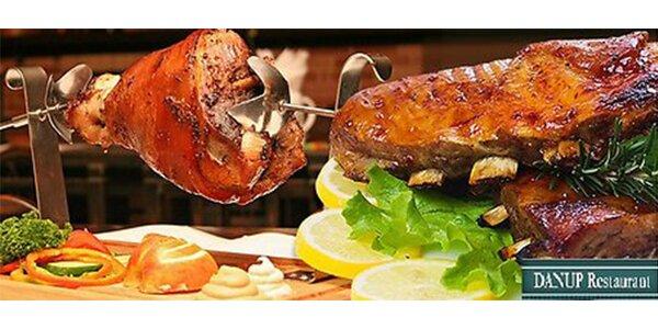 Octoberfest v restauraci Danup: 1 kg pečeného vepřového kolena + 500g pečených…