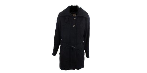 Černý kabát se stříbrnými knoflíky Ikebana