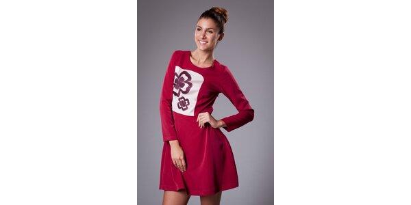 Dámské červené šaty ByLu s výšivkou