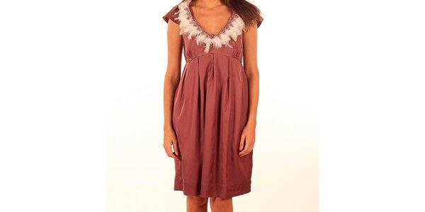 Dámské růžové šaty s peříčky Privee