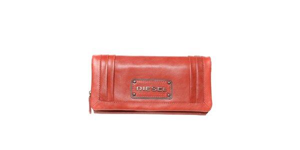 7323924d4cc Dámská červená podlouhlá peněženka Diesel
