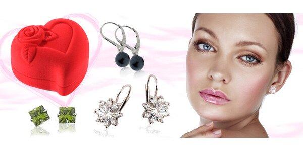 Stříbrné náušnice se zirkony nebo perlami