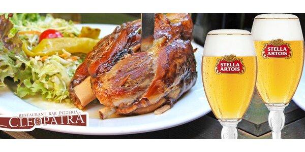 1,5 kg pečeného kolena + 2 piva Stella Artois