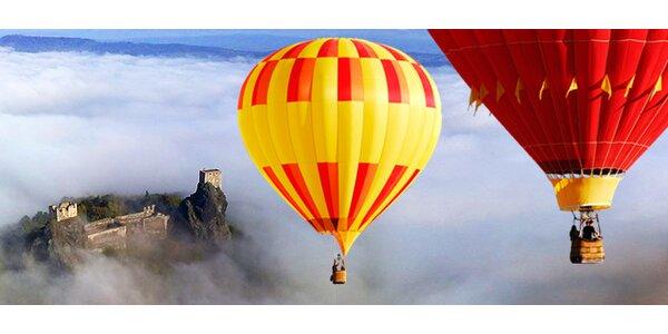 Hodinový let horkovzdušným balonem