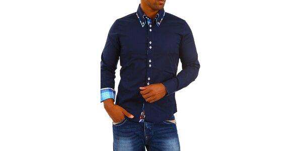 Pánská tmavě modrá košile s límečkem a modro-bílo-červenou kostkou Carisma