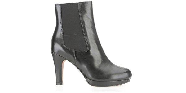 Dámské černé chelsea boty na podpatku Clarks