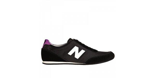 Dámské černé tenisky New Balance s fialovými detaily