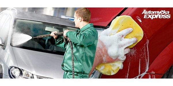 Důkladné ruční umytí auta