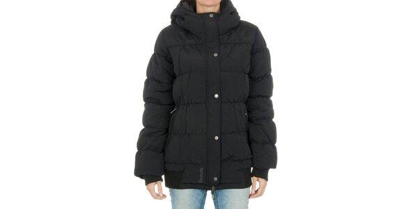 Dámská černá bunda Bench s kapucí