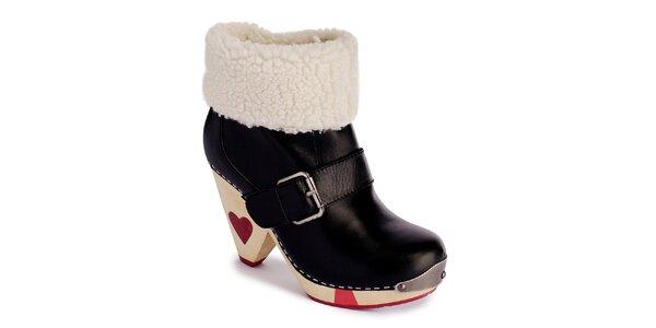 Dámské černé zateplené boty se srdíčky a přezkou Lola Ramona