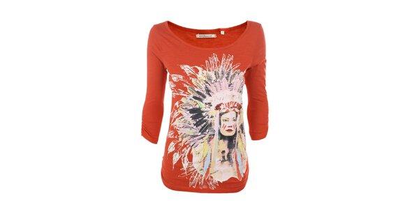 Dámské červené tričko s indiánkou Emoi