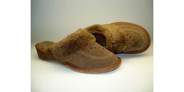 Dámské pantofle hnědé s podpatkem