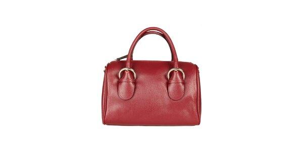 Dámská červená kabelka s přezkami Made in Italia
