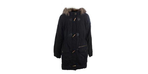 Dámský černý kabát s kožešinou Vila