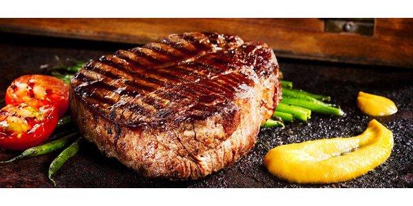Šťavnatý hovězí Pfeffer steak i s přílohou