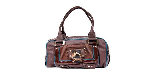 Menší hnědá kabelka značky Guess s barevným lemováním