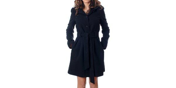 Klasický dámský černý kabátek Mya Alberta s kapucí