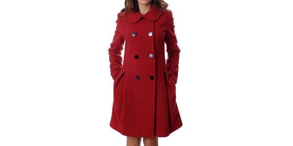 Elegantní dámský dvouřadý kabát Mya Alberta v červené barvě