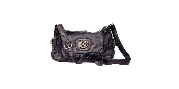 Elegantní černá kabelka, tzv. bagetka značky Guess