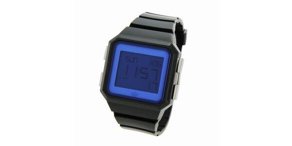 Černé digitální hodinky Adidas s modrým ciferníkem