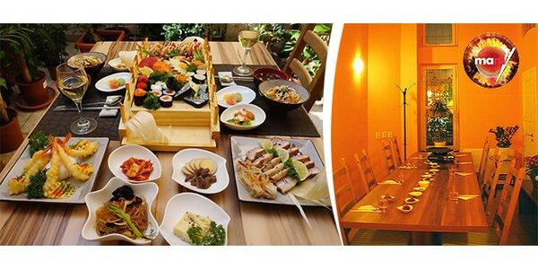 Sushi večeře pro dvě osoby v korejské restauraci Mamy v centru města