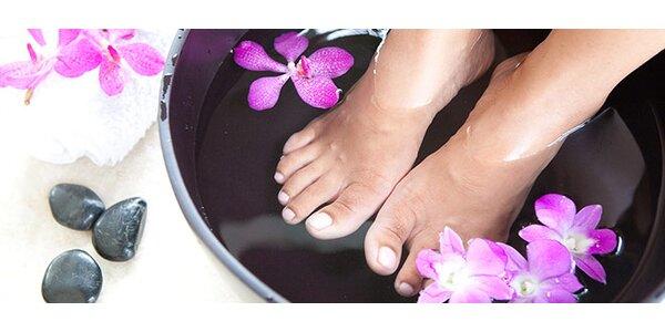 Nabité balíčky péče o nohy. Pedikúra, parafín, bio kosmetika