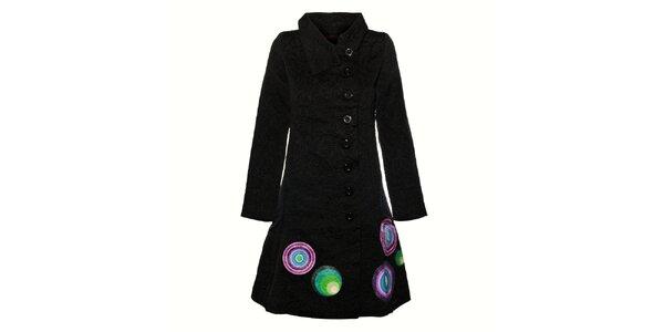 Dámský černý vyšívaný kabát Desigual s barevným potiskem