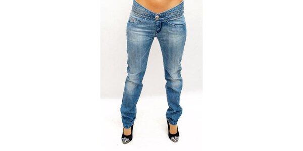 Dámské světlé džíny s cvočky Killah