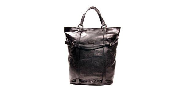 Černá kožená kabelka značky Puntotres Barcelona