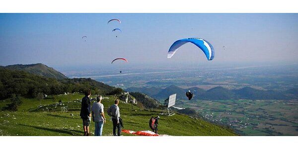 Let na motorové padákové tříkolce s pilotem - extra zážitek