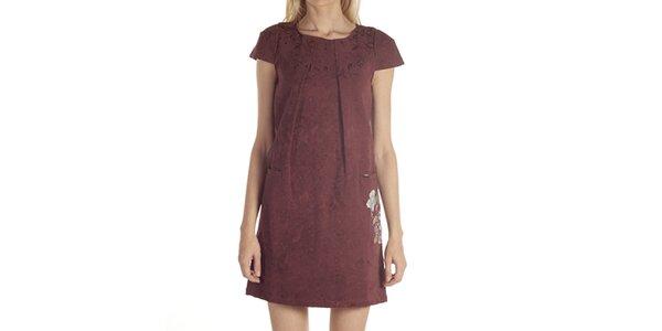 Dámské šaty s výšivkou Laga