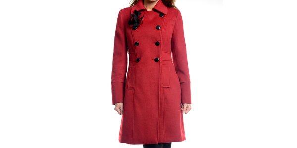 Dámský tmavě červený kabátek s květinou Estella