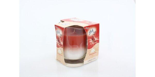 """Glade """"by Brise"""" 2v1 svíčka Granátové jablko & bílé květy 135g"""