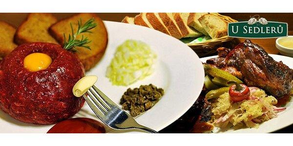 Pečené vepřové koleno či tatarák v restauraci U Sedlerů