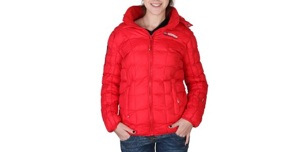 Dámská červená prošívaná bunda s kapucí Geographical Norway